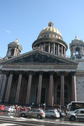 st isaac's cathedral in saint-petersburg