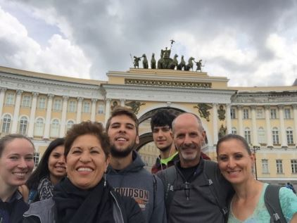 a group before Hermitage museum tour